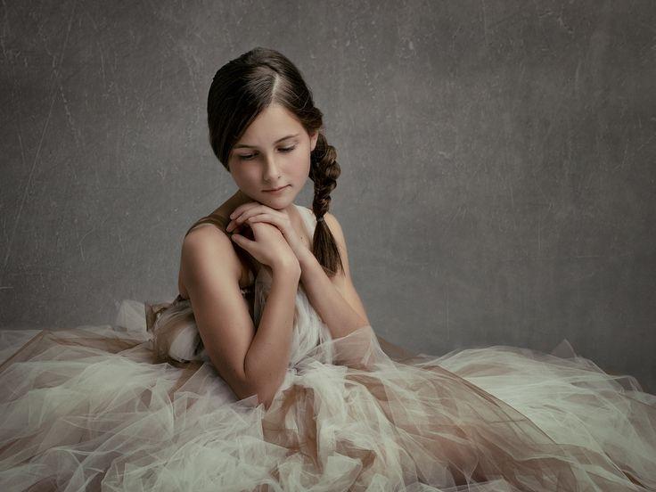 De fotostudio in Rotterdam voor creatieve portretfotografie, bijzondere kinderfotografie en zwangerschapsfotografie.