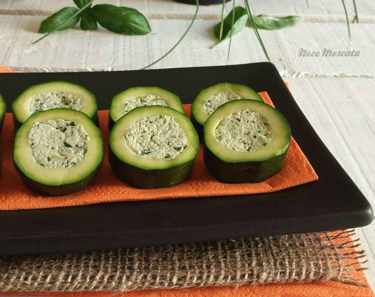 Zucchine farcite con tofu e basilico