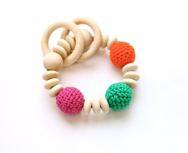 Teething toy with crochet wooden beads and 2 wooden rings