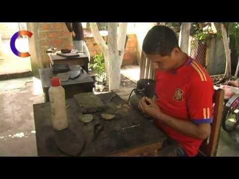 Como se trabaja la plata: Filigrana en Huallhuas - YouTube
