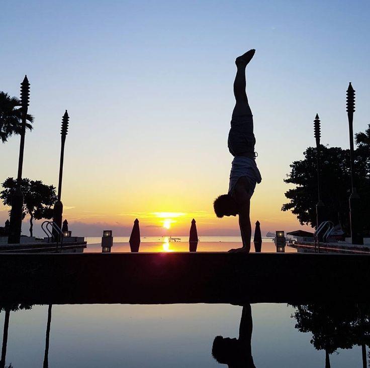 That moment when you know tomorrow is Friday! Snapped by: @hendritake #sakalabeachclub #sakalaresort #sakalabali #thesakalaresortbali #yoga #bali