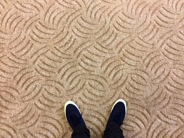 Az idei év második legkedveltebb padlószőnyege a Gora bézs scroll szőnyegünk. Most akciósan is a Tiétek lehet.👌🏻😊😊 #drpadlo #padlószőnyeg #gora #bézs #imádjuk❤️😜 | SnapWidget