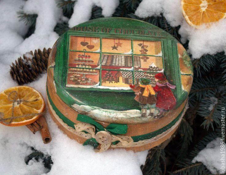 """Купить Круглая коробка для сладостей """"Там где живёт шоколад"""" - тёмно-зелёный, шкатулка для сладостей"""