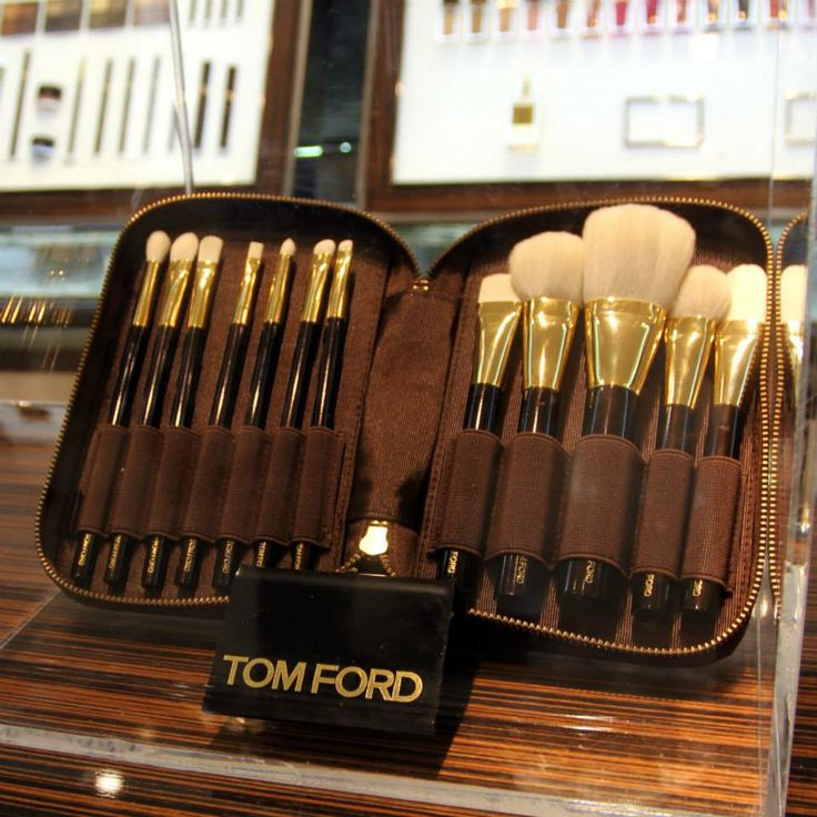For ladies that love luxury this Tom Ford Deluxe 12-piece brush set is perfect http://www.selfridges.com/en/Beauty/Categories/Shop-Beauty-gift-sets/Make-up-gifts/Deluxe-12-piece-brush-set_450-3001058-T2K901/
