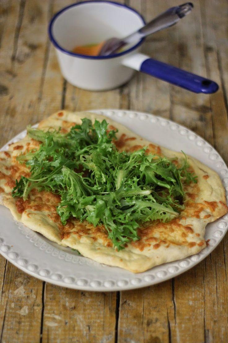 As Minhas Receitas: Pizza Branca (com salada e vinagreta de limão)