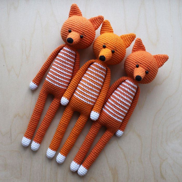Crochet long-legged amigurumi foxes with a free recipe