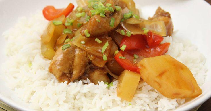 Mennyei Kínai édes savanyú csirke recept! Ezt a receptet még a hajdani Vörös Sárkány étterem egyik klasszikusa ihlette. Egyszerűen elkészíthető, gyerekek felnőttek, egyaránt szeretik!