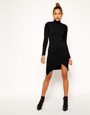 Asymmetrisches abendkleid schwarz