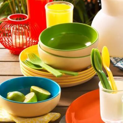 These bright bamboo dishes are a great addition to any dining set. They're dishwasher safe as well!