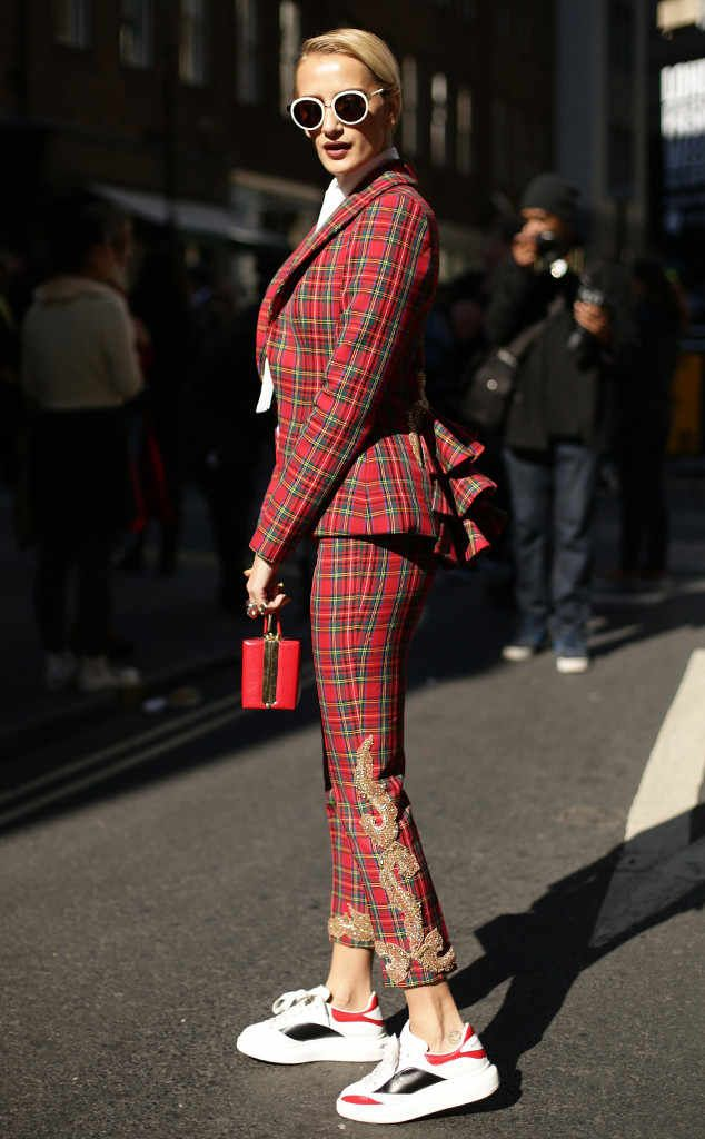 Olivia Miller from Street Style at London Fashion Week Spring 2016 | E! Online