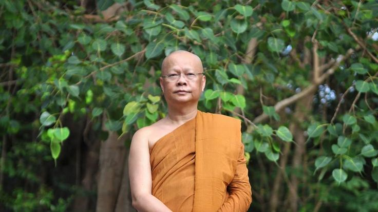 Contemplating the truth of not-self ~ Ajahn Anan http://justdharma.com/s/35533  The most obvious place we can observe and contemplate the truth of not-self, or anatta, is just with our own breath. Anytime we turn our attention to observe the breath, we can see that it is merely carrying on its function. The breath goes in and then it goes out. It arises, it passes away. And that whole process of the breathing is beyond our control, isn't it?...Anytime we can observe something following its…