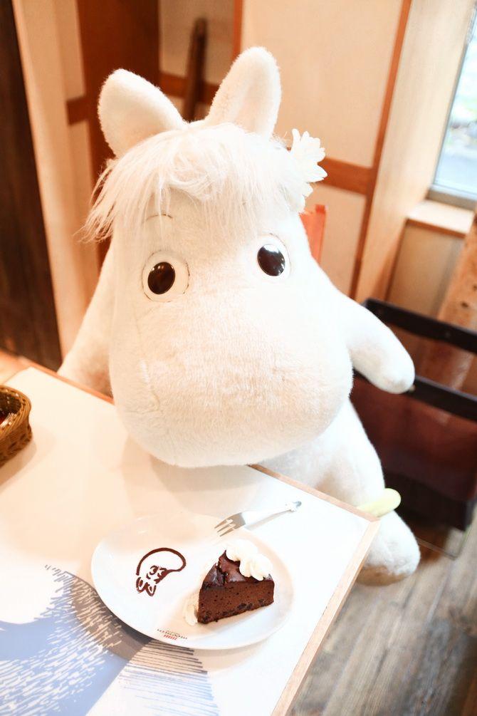 Somebody take me here! The Cherry Blossom Girl - Moomin café Tokyo 12