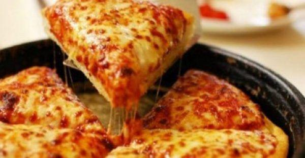 Φτιάξτε την πιο Γρήγορη Τραγανή Ζύμη για Πίτσα με 2 Υλικά! | Diavolnews.gr