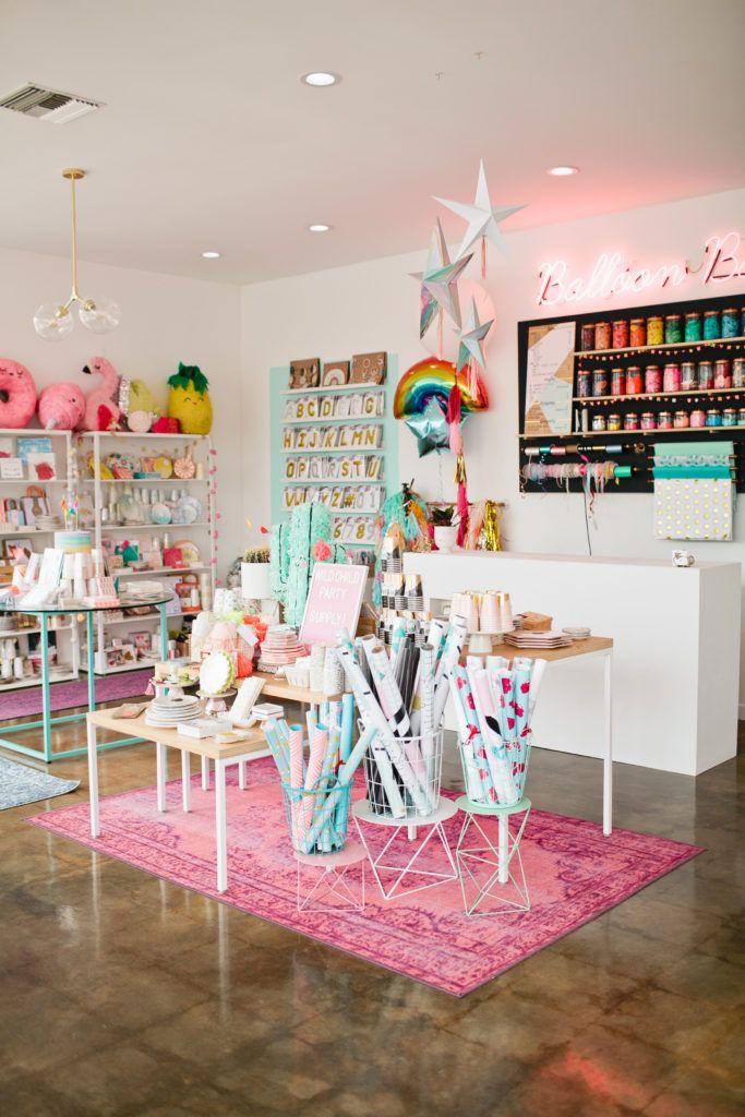 Shop Spotlight Wild Child Party Interiores De Tiendas De Regalo