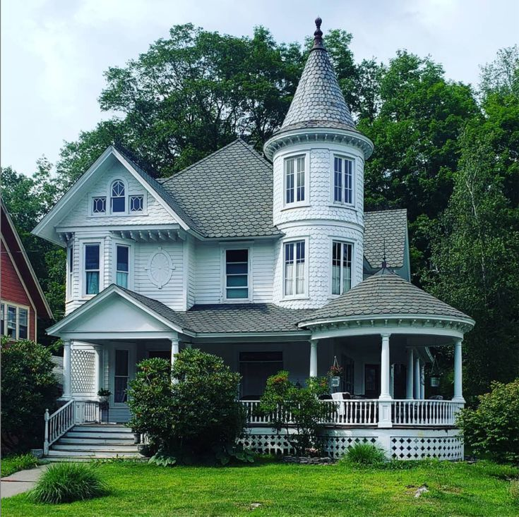 Get Inspired By The Many Styles Of Victorian Homes Victorian Homes Exterior Victorian Homes Old Victorian Homes