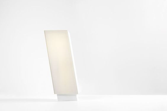 In Belgium, Modular's birthplace, the wind makes trees grow in odd angles alongside several canals. A strong image. Fall was inspired by this, although in a more minimalist shape. This exterior fixture is at a 10° angle and therefore seems to be bending slightly in the wind. The semi-transparent polycarbonate ensures diffused light. Available in various heights and colours. #fall #supermodular