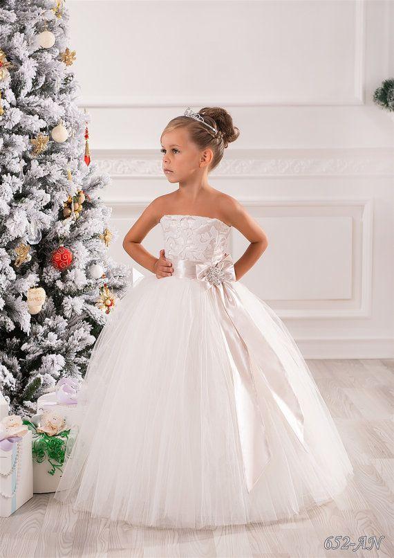 Elfenbein und Beige Blumenmädchen Kleid-Hochzeitsfeier Feiertags Geburtstag Brautjungfer Blumenmädchen Elfenbein und Beige Tüll Spitzenkleid