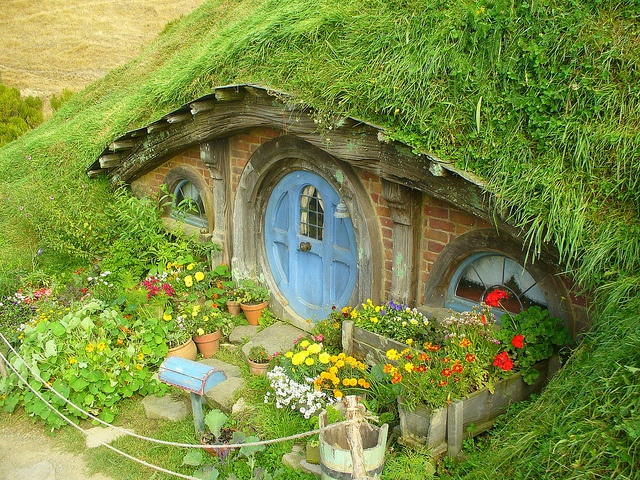 Hobbiton - I am SO doing this when I have a garden of my own!