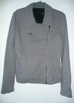 À vendre sur #vintedfrance ! http://www.vinted.fr/mode-femmes/autres-manteaux-and-vestes/30198020-veste-molletonnee-grise-ikks-taille-42