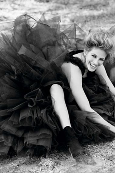 Julia Roberts - wearing the most incredible dress ever!!