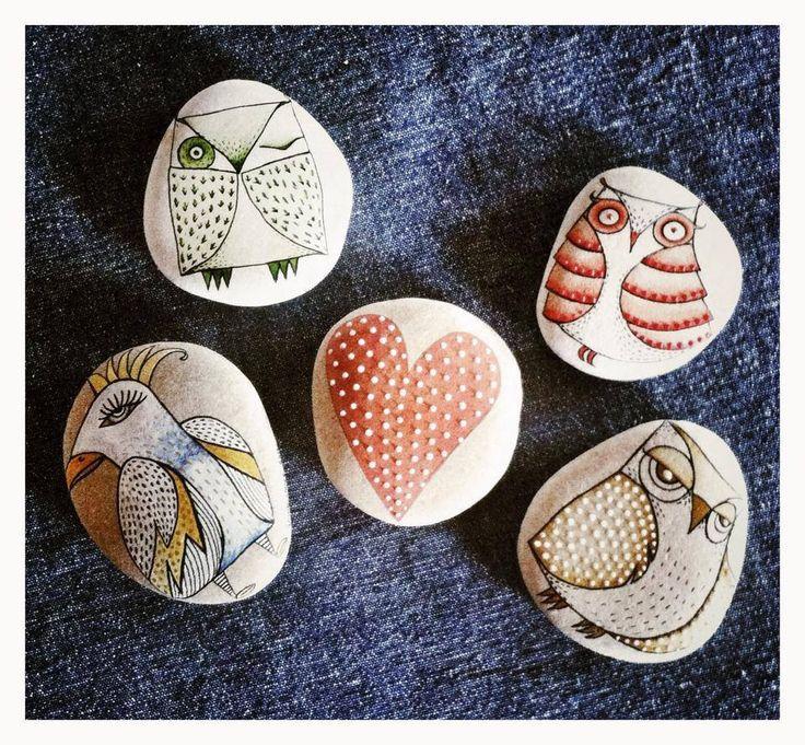 IMG_0155.JPG....cool painted rocks!