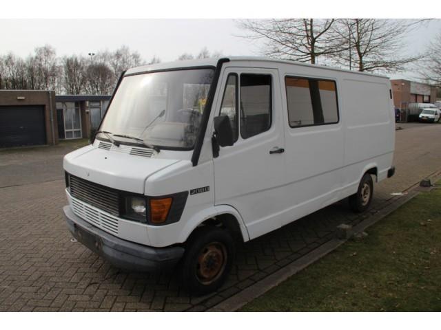 Mercedes-Benz, Bus uitvoering 208 D lang !!! l 2 /h 1, Bus, Minibus in 5692 AG SON EN BREUGEL, gebruikt kopen bij  AutoScout24 Trucks