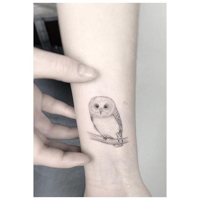 tiny owl from today  ************************************ #owltattoo #tattoo #owl #black #new #noir #btattooing #blacktattooart #tattrx #fineliner #singleneedle #poznan #jakubnowicztattoo #fashion #inkstinctsubmission #design #minimalism #minimalistic #smalltattoo