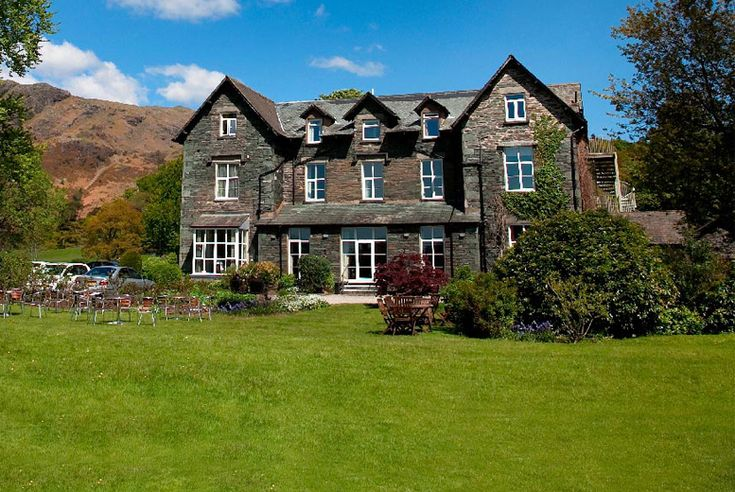 Discount 2nt Scenic Lake District Stay & Breakfast for 2 for just £99.00 Where: Lake District.  What's included: A two-night stay for two people at the Waterhead Hotel.  Food and drink: Includes daily full English breakfast.  Area: Stay on the shores of the stunningly scenic Coniston Water.  Travel period: Valid for stays until 29th Mar 2018. BUY NOW for just £99.00