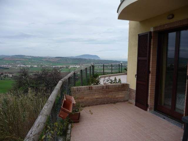 Indimenticabile terrazzo vista Monte Conero