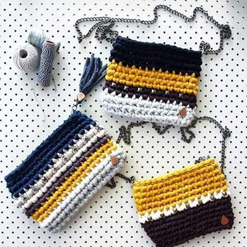 crochet bags https://www.pinterest.com/cprovensal/tapestry/