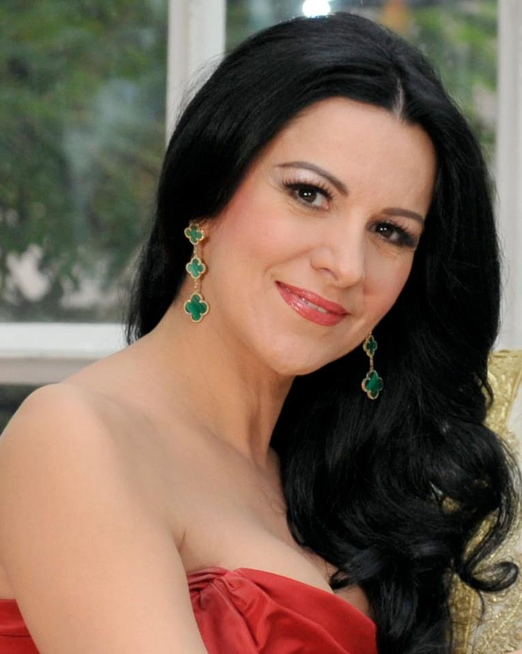 Romanian opera singer angela gheorghiu angela gheorghiu pinterest opera singer singers - Canta casta diva ...
