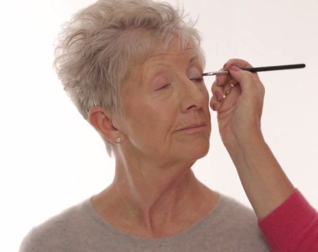 How to Create A Socket Line for Older Women