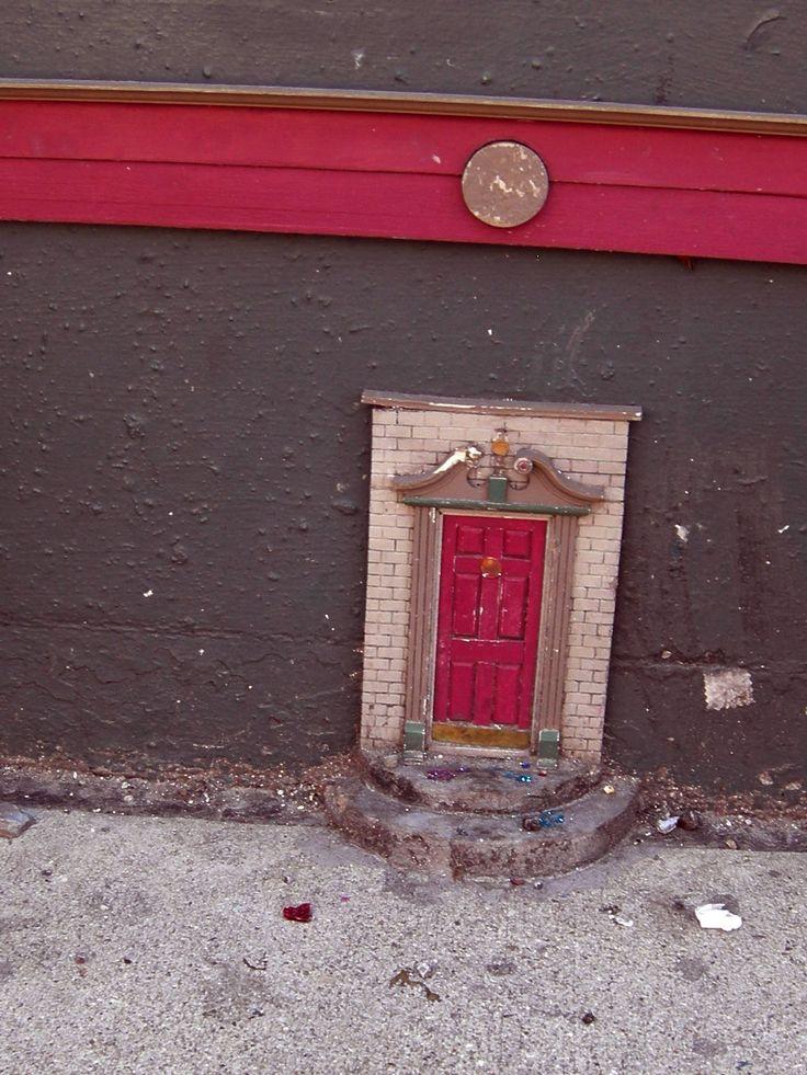 Curb side door urban fairy doors pinterest for The little fairy door