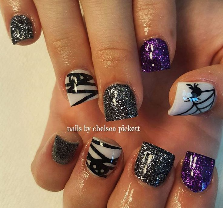Halloween Nails | Halloween Nail Art | Mummy Nail Art |Black | Mummified Nail Decal weloveglitterdesign.com