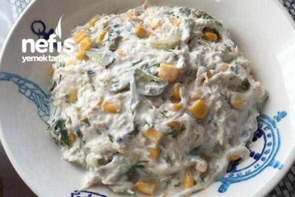 Yedikçe Yedirten Tavuk Salatası Tarifi nasıl yapılır? 935 kişinin defterindeki bu tarifin resimli anlatımı ve deneyenlerin fotoğrafları burada. Yazar: Betul Özbatı