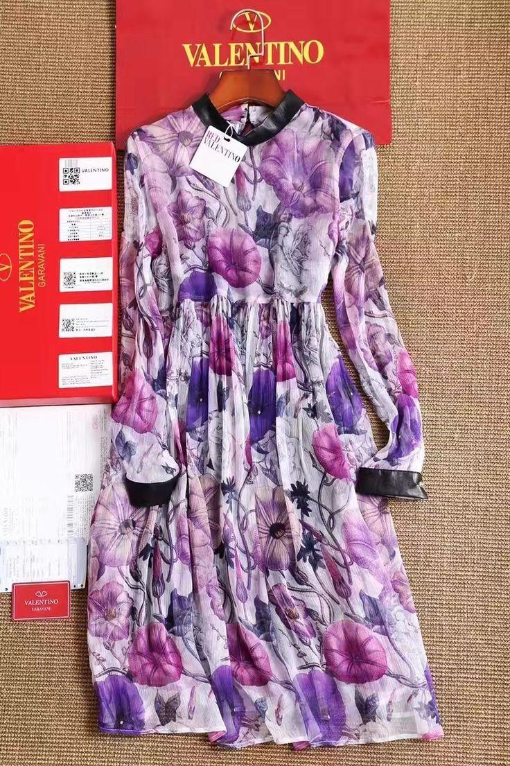 Платья Valentino в интернет магазине Lumidor! Цветочное яркое платье средней длины Ткань шелк. Размеры S M L Цена 9500 руб