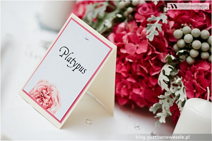 Nazwa stołu na weselu na zamku | Table name card for the wedding at the castle | Gustowne Wesele | Chic Wedding Poland