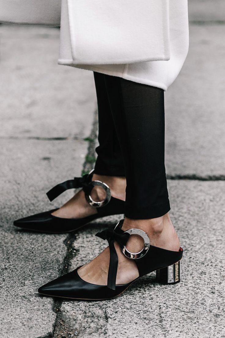 Zapatos talón descubierto