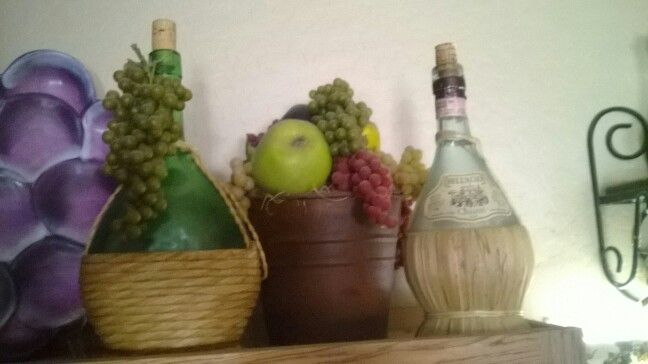 318 best images about grapes wine vines for the kitchen for Vineyard themed kitchen ideas