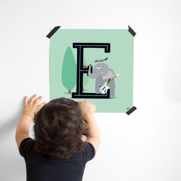 Poster - Bokstaven E Ekorre och en elefant med elgitarr! #barntavla #barnposter #bokstavsposter #namntavla #barnrum #barnrumsinredning #barnrumsinpo