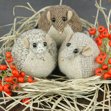 Handmade Harvest Mouse Paperweight