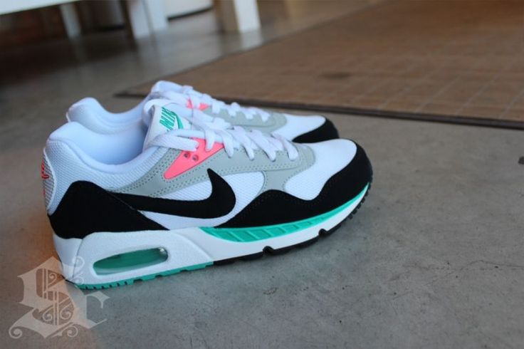 Nike Air Max Sunrise....fresh!!!!! These would be some nice chill on the weekend kicks