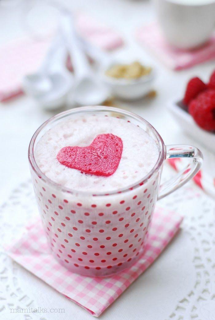 Valentine's Drink: Silky Strawberry Smoothie with Raspberry Hearts