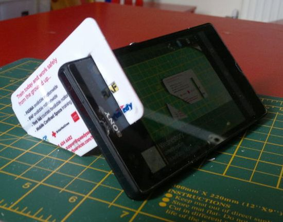 The gift-card stand No. 2 - Six free do-it-yourself smartphone stands (pictures)