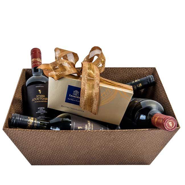 Χάρτινο καλάθι με κρασιά και 1 κιλό σοκολατάκια Pralines Leonidas - Συνθέσεις με Κρασιά