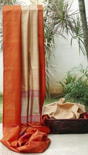 Handwoven Saree. My fav colour combination. Description by Pinner Mahua Roy Chowdhury.
