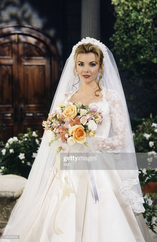 News Photo Lives Carrie Brady And Austin Reed 1st Movie Wedding Dresses Tv Weddings Wedding