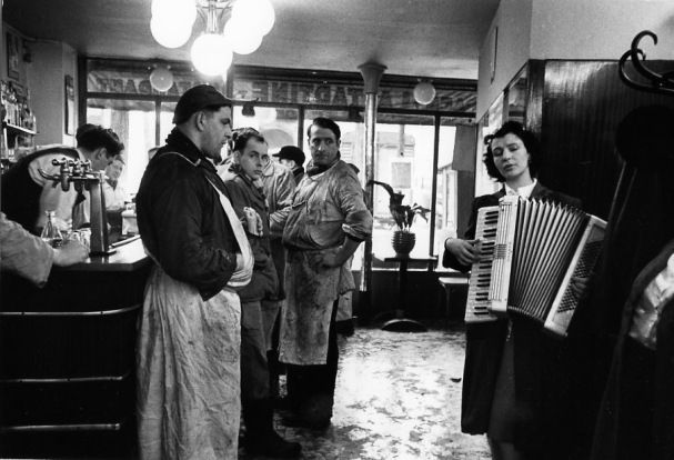 Photographer Robert Doisneau   Tweed Librarian