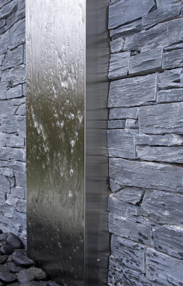 Vous avez envie d'une ambiance exceptionnelle dans votre jardin: pensez aux murs d'eau! (source photo: http://www.pinterest.com/pin/340373684309038346/)