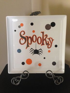 Such a cute Halloween plate! Done by Bonnie Hunt!